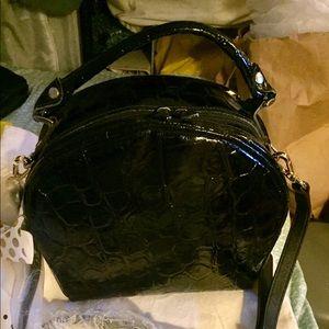 Handbags - Black patent crossbody cute bag👜💙💋👍🏼🎈